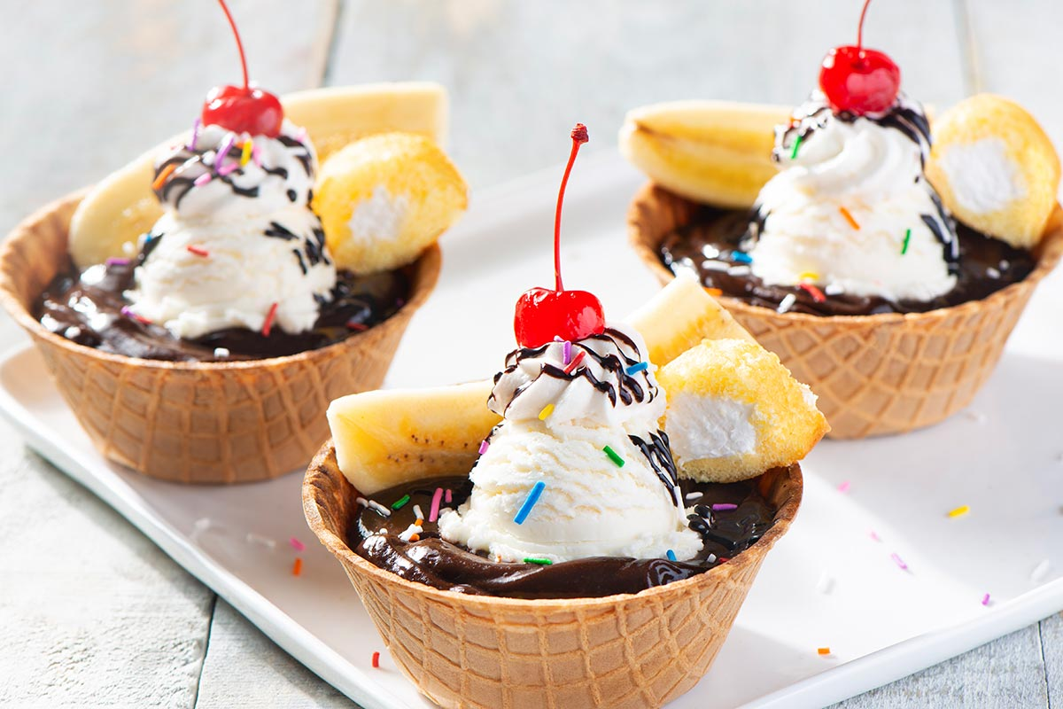 Banana Split Ding Dongs™ Cups